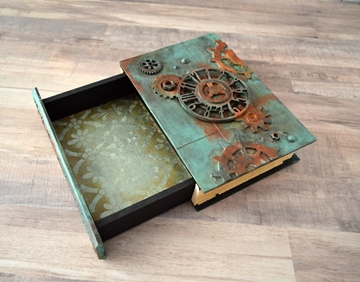 Picture of The Rusty Clock - Wooden Book Box